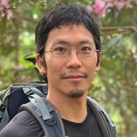 山本先生顔写真460pxl正方形